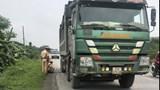 Xe quá tải 'tung hoành' trên tuyến Hòa Lạc – Hòa Bình