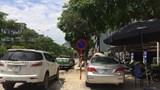 [Điểm nóng giao thông] Quán bia chiếm vỉa hè, lòng đường Trần Thái Tông