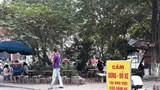 Phố Trần Điền: Người đi bộ bị đẩy xuống lòng đường