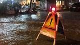 Một số tuyến đường Hà Nội úng ngập cục bộ do ảnh hưởng hoàn lưu bão số 2