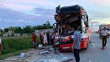 Chủ xe khách thiệt mạng sau cú tông đuôi xe container