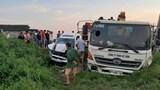 Ba ô tô cùng lao xuống ruộng sau va chạm liên hoàn ở Bắc Giang