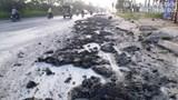 Đại lộ Thăng Long mất an toàn giao thông vì bùn đất tràn đường