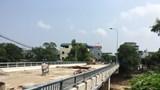 """Hà Nội: Dự án cầu 74 tỷ đồng nằm """"đắp chiếu"""" vì… 2m2 đất"""