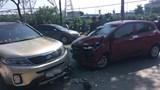 Hoàng Mai: 2 ô tô đấu đầu khiến 1 tài xế tử vong