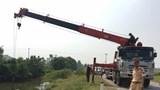 Xe tải mất lái tông hàng loạt phương tiện, 2 học sinh tử vong