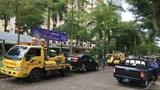 Ô tô đỗ sai quy định vẫn diễn ra thường xuyên tại quận Hoàng Mai