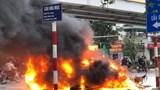 Tai nạn liên hoàn trên cầu Hoà Mục: Xe GLC bốc cháy, 1 cô gái tử vong tại chỗ
