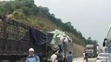 Va chạm kinh hoàng trên cao tốc khiến ít nhất 5 người thương vong