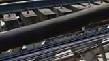 CSGT kịp thời giải cứu nam thanh niên bế theo con nhỏ định nhảy cầu