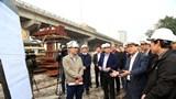Chủ tịch UBND TP Hà Nội Nguyễn Đức Chung: Thi công 3 ca, đảm bảo tiến độ cầu qua hồ Linh Đàm