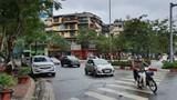 [Điểm nóng giao thông] Cần biển cấm đỗ xe tại nút giao Huỳnh Thúc Kháng - Nguyễn Chí Thanh