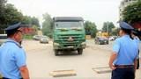 Buông lỏng kiểm soát, xe quá tải bùng phát trên nhiều tuyến đường