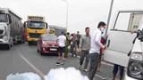 Lật xe chở phạm nhân khiến đại úy công an hy sinh