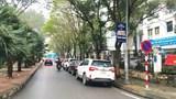 [Điểm nóng giao thông] Đỗ xe ngay dưới biển cấm trong Khu đô thị Mễ Trì Hạ