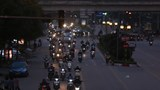 Mật độ giao thông Hà Nội bắt đầu đông đúc: Xin đừng chủ quan