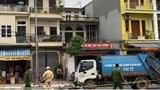 Hà Nội: Nam thanh niên tử vong sau cú đầu đầu xe tải