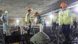 Đổ bê tông nền ga ngầm đầu tiên dự án đường sắt Nhổn - Ga Hà Nội