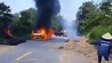 Nghệ An: Ô tô cháy trơ khung trên đường, tài xế bị bỏng nặng