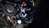 Xe tải rơi xuống cầu, 2 người tử vong