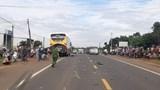 Tin tức tai nạn giao thông mới nhất hôm nay 1/7: Container húc văng 3 xe tải tại dốc Thiên Thu