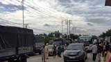 Người dân vây trạm BOT Ea Đar vì làm hỏng nhà mà không đền bù