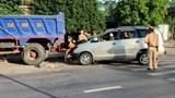 Tin tức tai nạn giao thông mới nhất hôm nay 3/7: Xe container lật nghiêng rồi bốc cháy