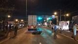 """Tai nạn giao thông mới nhất hôm nay 12/7: Phóng mô tô với """"tốc độ bàn thờ"""" vào xe container"""
