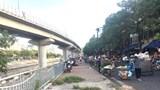 Chợ cóc gây mất trật tự đô thị, an toàn giao thông trên phố Cầu Mới