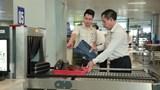 Phát hiện 2 người Trung Quốc nhập cảnh trái phép, dùng giấy tờ giả định đi máy bay
