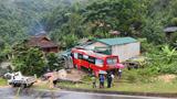 Tai nạn giao thông mới nhất hôm nay 27/7: Xe khách lao vào nhà dân, 1 trẻ nhỏ bị thương