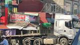 Tai nạn giao thông mới nhất hôm nay 30/7: Va chạm với xe đầu kéo, người phụ nữ bị xe container cán tử vong