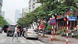 [Điểm nóng giao thông] Ô tô dừng đỗ lộn xộn trên phố Trần Thái Tông