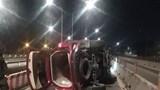 2 vụ ô tô lật trong đêm, tài xế không chịu đo nồng độ cồn rồi bỏ đi