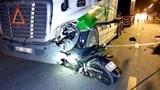 Tai nạn giao thông mới nhất hôm nay 11/8: Xe máy đấu đầu xe container, một người tử vong