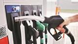 Giá xăng RON 95, dầu diesel và dầu hỏa giảm nhẹ từ 15 giờ chiều nay