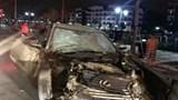 Xe Lexus gây tai nạn liên hoàn khiến 2 người thương vong
