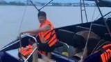 Mô tô nước đâm tàu du lịch, 2 người tử vong trên sông