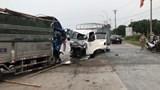 2 xe tải đấu đầu, tài xế may mắn thoát chết trong gang tấc