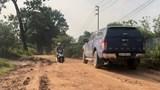 Tại huyện Mê Linh: Nguy cơ mất an toàn giao thông từ đường xuống cấp