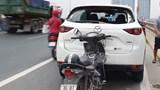 Tài xế ô tô dừng xe ngủ trên cầu Nhật Tân gián tiếp gây tai nạn