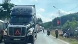 Tai nạn giao thông mới nhất hôm nay 13/9: Vợ tử vong, chồng nguy kịch dưới bánh xe container