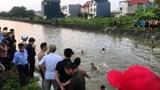 Xe máy chở 4 người mất lái, 3 người rơi xuống kênh nước tử vong