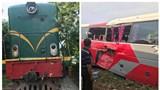 Hà Nội: Tàu hỏa tông xe khách chở học sinh, 6 em được đưa đến bệnh viện kiểm tra