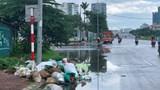 Hà Nội: Rác thải tràn lan tại đường Nguyễn Văn Huyên kéo dài