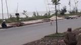 Phát hiện thi thể thanh niên cùng xe máy trên trục đường ven biển