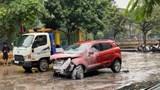 Tai nạn giao thông mới nhất hôm nay 14/10: Xe ô tô nghi mất lái lao vào cổng trường mầm non