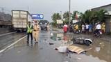 Tai nạn giao thông mới nhất hôm nay 17/10: Tránh vũng nước, đôi nam nữ bị xe tải cán tử vong
