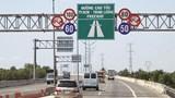 Thu phí trên cao tốc đầu tư công: Lo ngại phí chồng phí