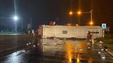 Xe khách lật trên quốc lộ 1A, nhiều người bị thương